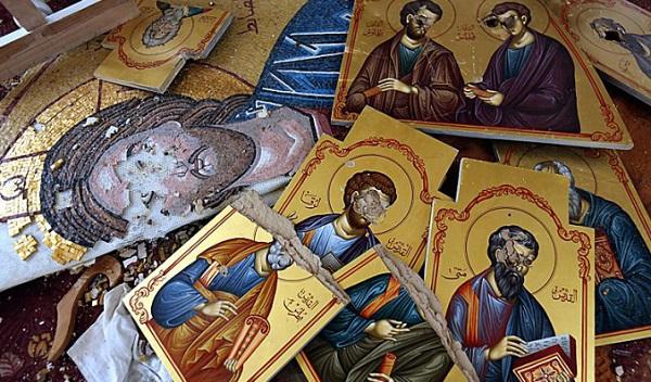 К чему падает дома икона Божьей Матери - что значит примета: ответ священника