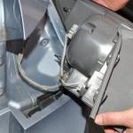 Как снять задний фонарь и заменить лампочку Шевроле Круз