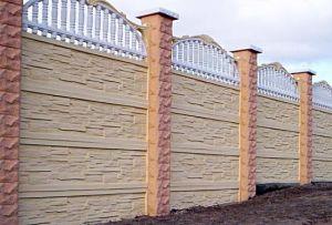 Дедовский способ и современный подход к строительству и декорированию бетонного забора