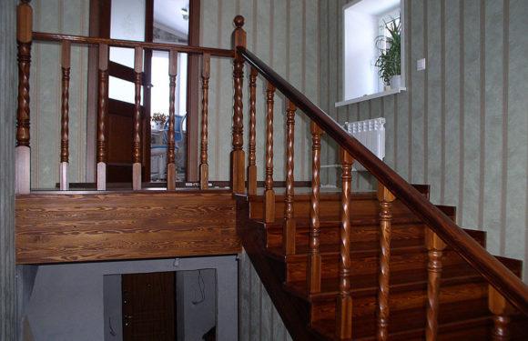 Лестницы из лиственницы: элементы ступеней, фото и изготовление, отзывы о лаке, плюсы и минусы производителя